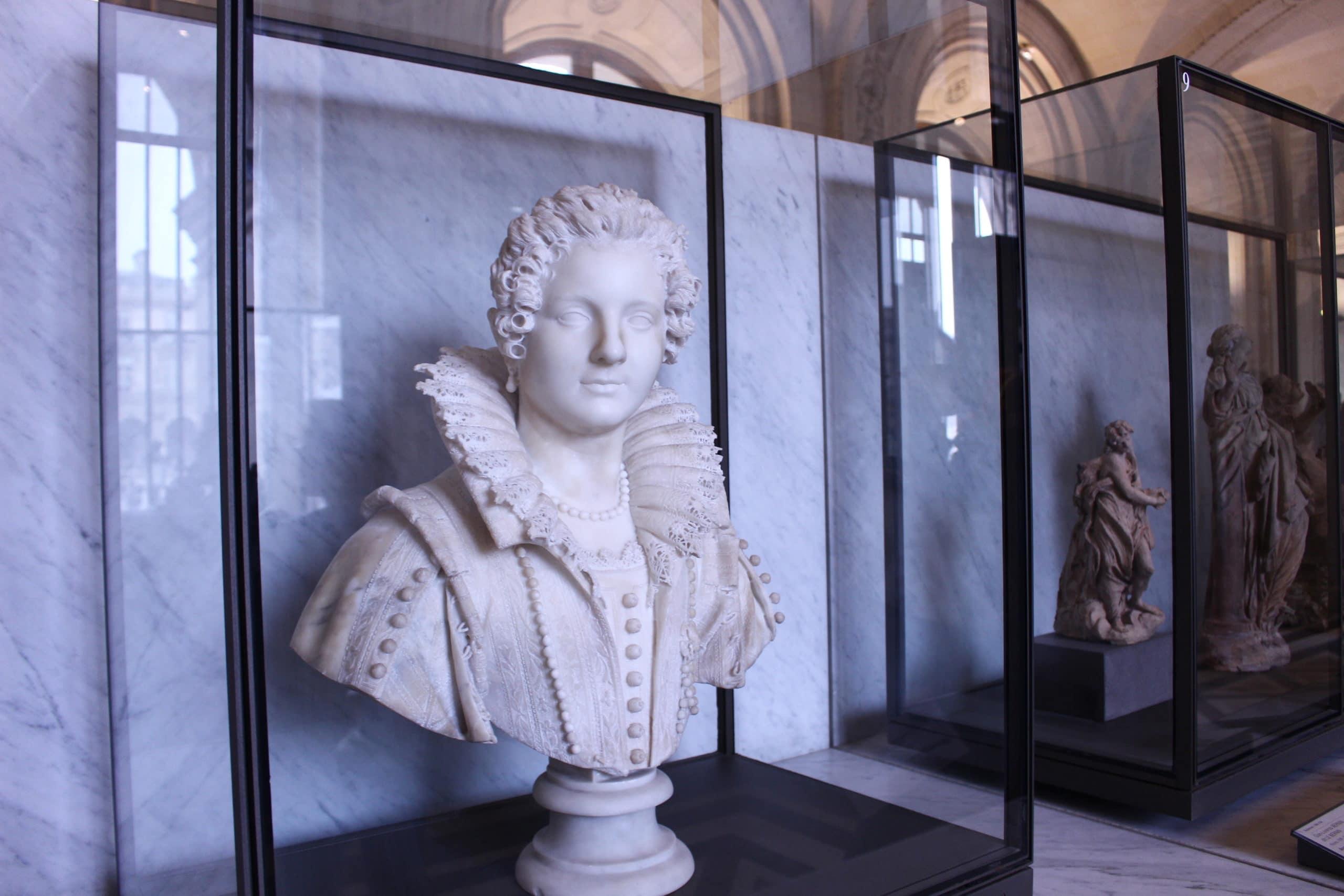 Sculpture dentelle - Louvre
